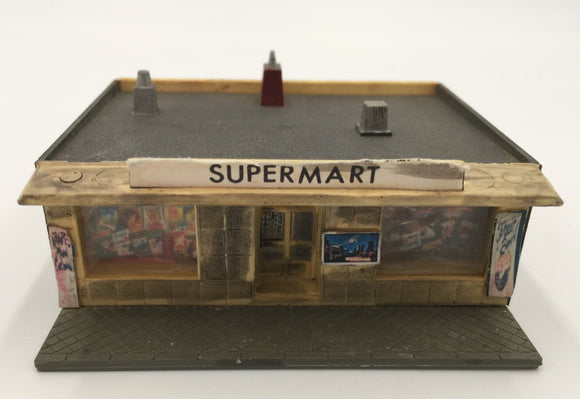 8454 - T - Supermarket N-Scale Model Building - Very Authentic
