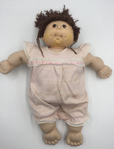 8507 - T - Cabbage Patch Doll - Brown Hair - Pink Outfit