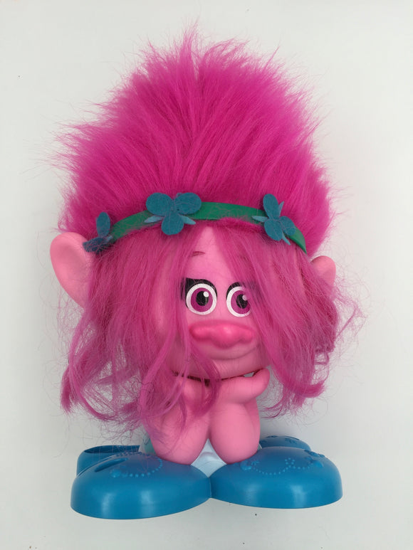 8902 - T - Russ Troll Doll - Maguillaje Busto Model - Hot Pink Long Hair with Very Clover Like Hair Band