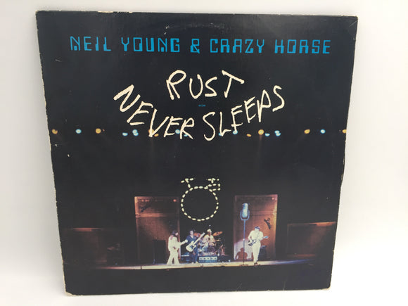8958 - C - Record Album - Neil Young & Crazy Horse - Rust Never Sleeps - 1979