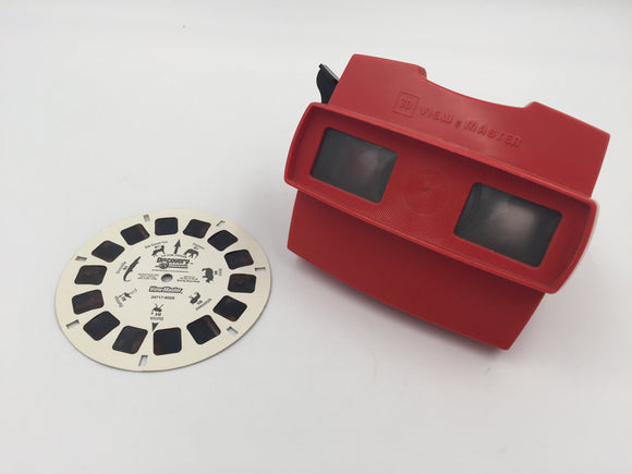 9033 - T - 3D View Master with Discovery Channel Disc - Various Wild Animal Shots - Old State of The Art Older Technology