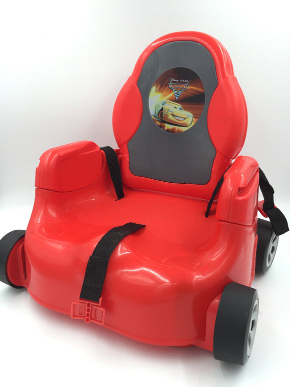 9459 - T - Disney Pixar Cars - Car Seat with Wheels - Cars II Logo with Decorative Rims - Seat Belts Included