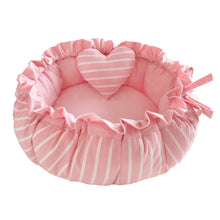 Load image into Gallery viewer, Princess Round Pet Bed & Heart Pillow Set