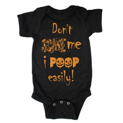 Don't Scare Me I Poop Easily (Black) / Baby Onesie