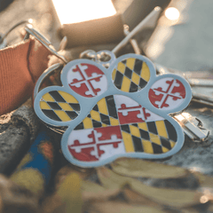 Maryland Flag Paw Print / Metal Key Chain