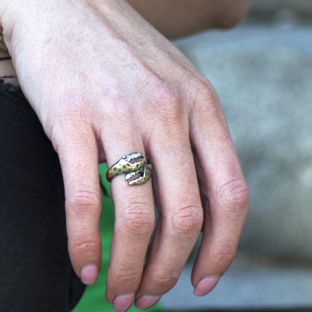 Crab Claw (Matted Gold) / Ring - Route One Apparel