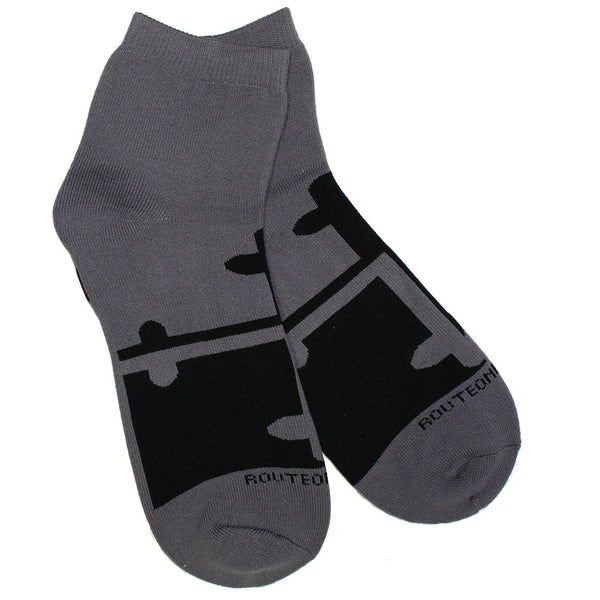 Greyscale Maryland Flag / Ankle Socks