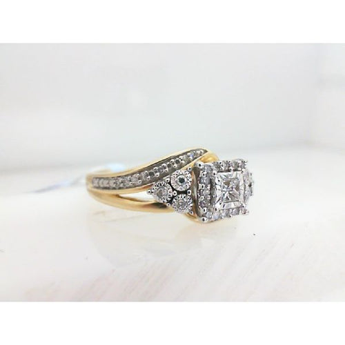 0.25CTW 10K Two Tone Diamond Engagement Ring 4.19 Grams Size 7