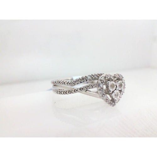 0.15CTW 10K White Gold Heart Diamond Engagement Ring 3.73 Grams Size 7