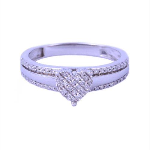 0.20Ctw 10K White Gold Heart Style Engagement Ring Size 7 2.80 Grams