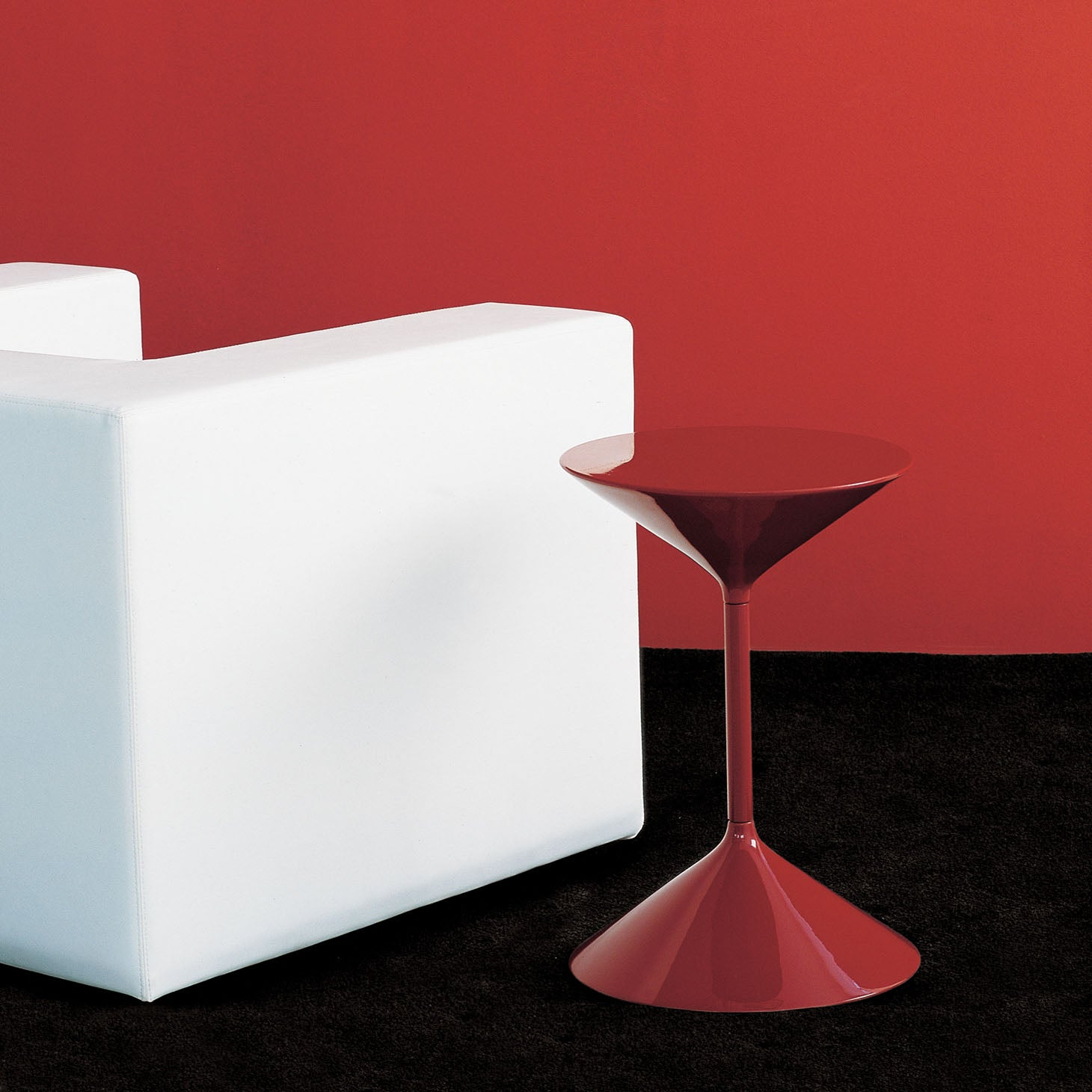 Tempo Small Table - Red