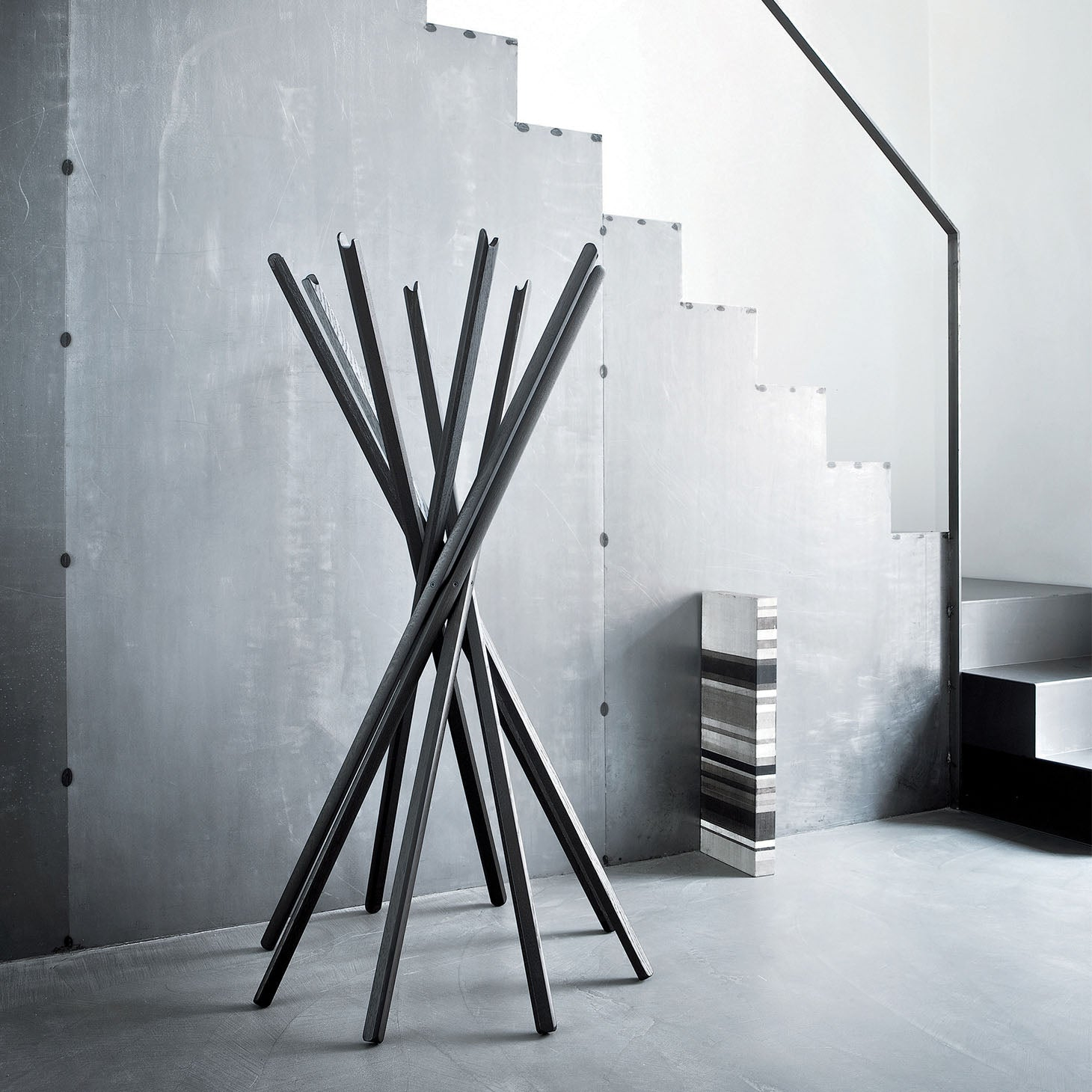 Sciangai Clothes Stand