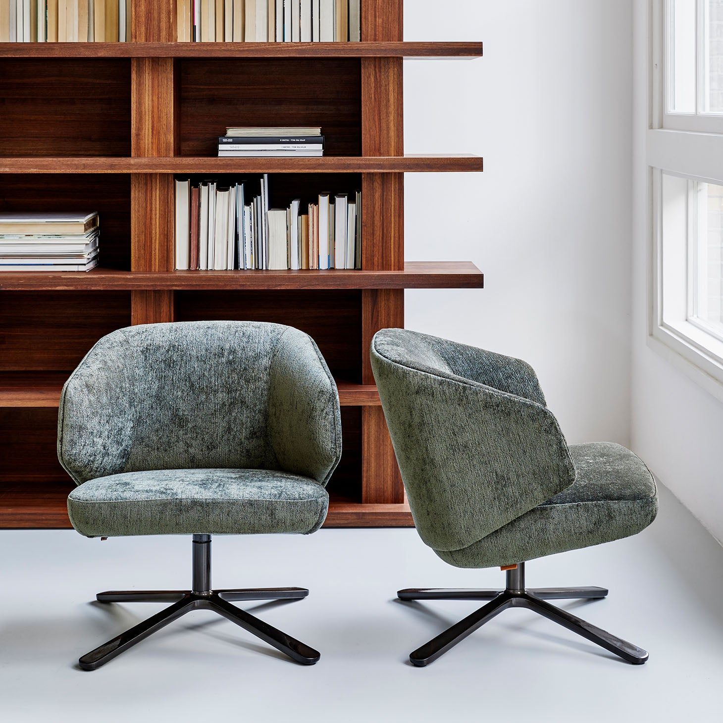 Back Me Up Lounge Chair