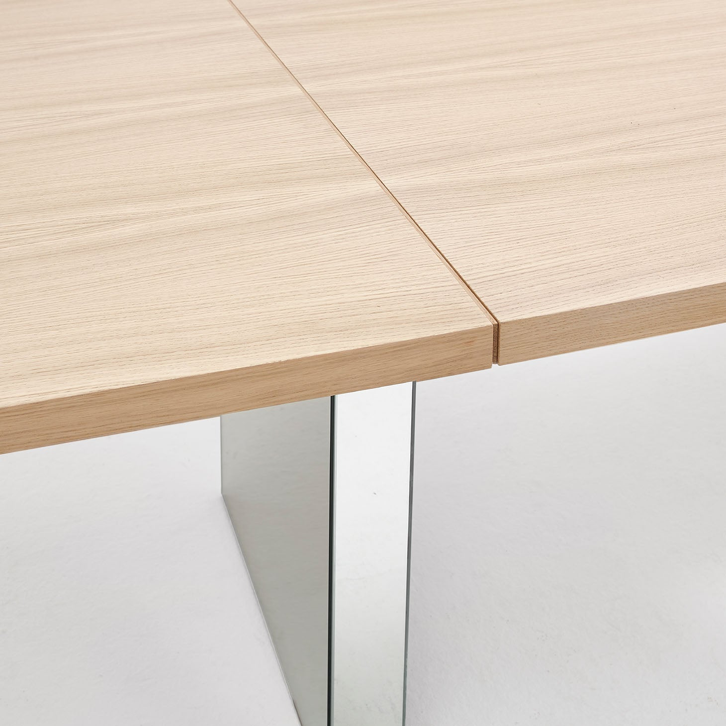 Slim+ Connected Table Detail
