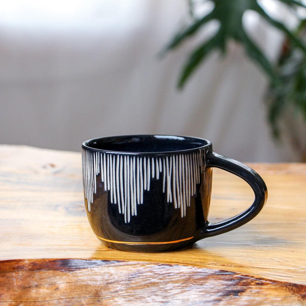 Fringe Onyx Teacup 10oz