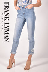 211126U (Jeans)   Approx. 10 inch high rise with 28 inch inseam (size small)