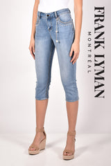 211133U (Jean capri)  Approx. 10 inch high rise with 21 inch inseam