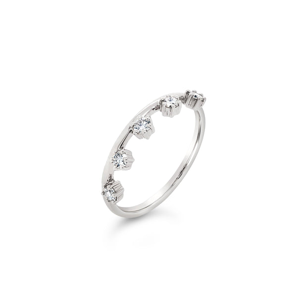 Offset diamond spaced ring