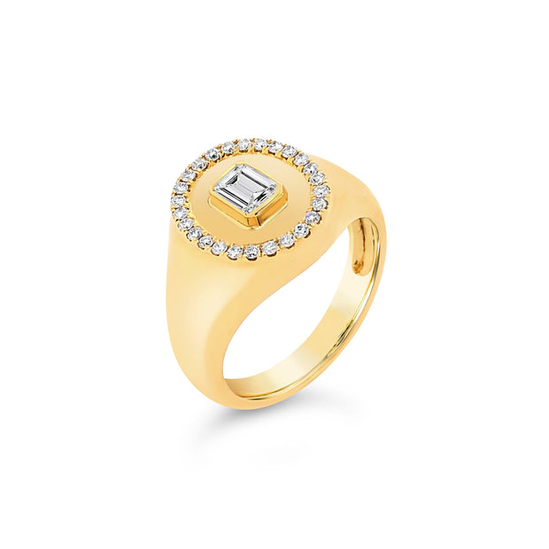 Baguette Diamond Signet Ring - KLARITY LONDON