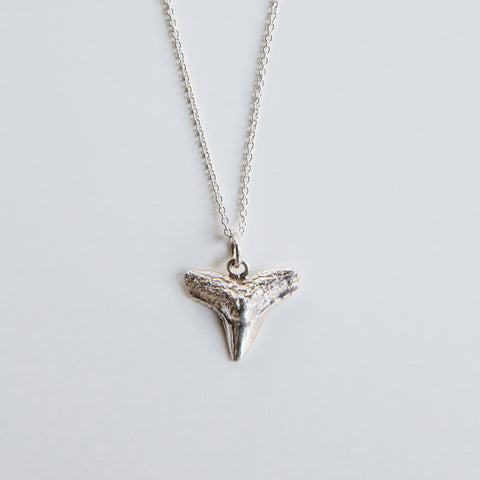 SHARK TOOTH PENDANT {silver}