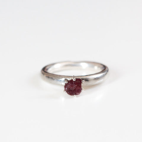 UNCUT RUBY RING {silver}