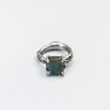 UNCUT AQUAMARINE IMPRINTED RING {silver}