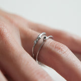 THIN BRANCH BAND {white gold}