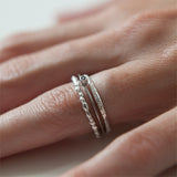 DELICATE TEXTURED LACE BAND