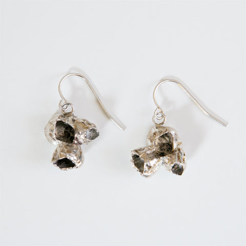BARNACLE CLUSTER EARRINGS {silver}
