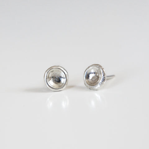 SMALL CONCAVE STUDS silver