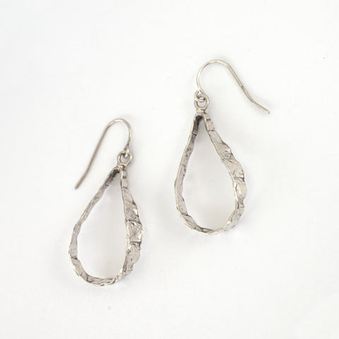 SMALL TEARDROP IMPRINTED HOOPS silver