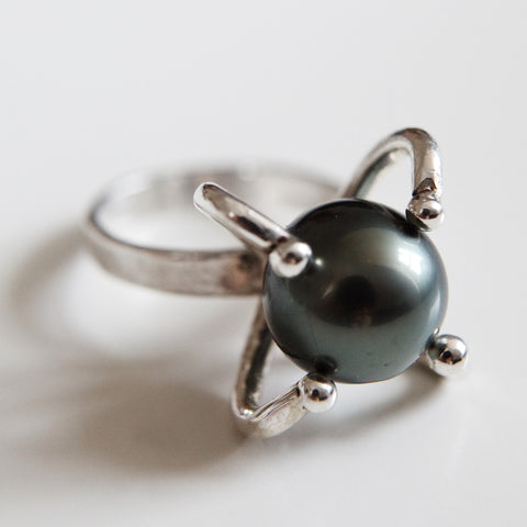 BLACK PEARL ATOM RING {silver}