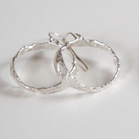 SMALL IMPRINTED HOOPS silver