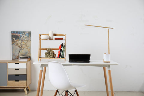 Freja contemporary LED desk lamp with integrated battery