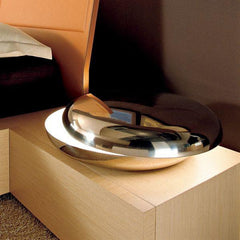 Loop modern Table lamp by Voon Wong and Benson Saw for FontanaArte