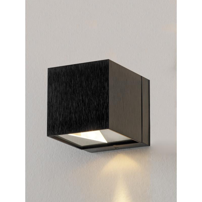 DAU black satin aluminum by Zaneen