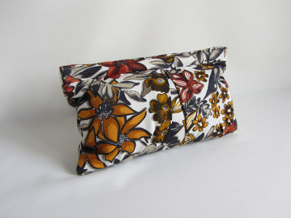 Wild Autumn Floral Print Pleated Clutch