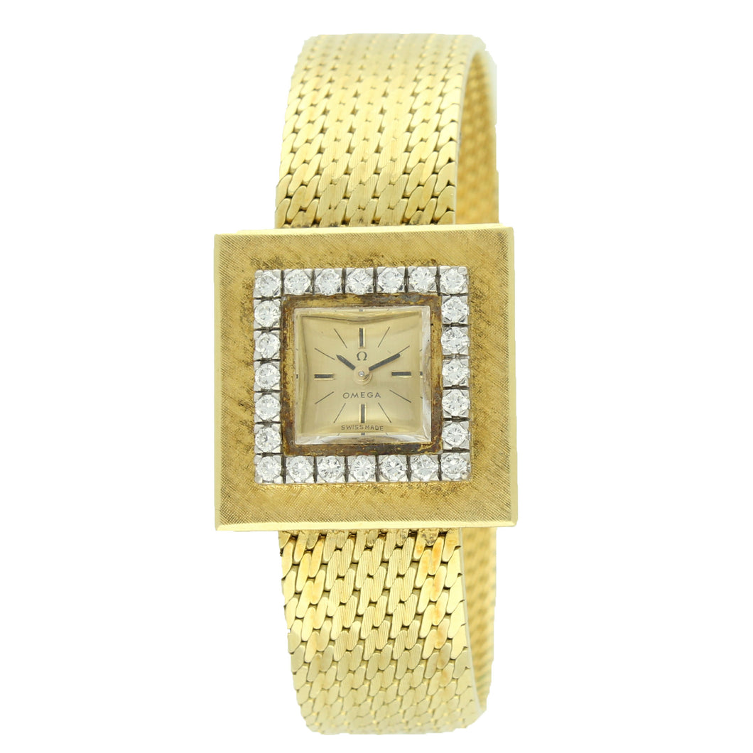 18ct yellow gold and diamond set square case bracelet watch. Made 1961