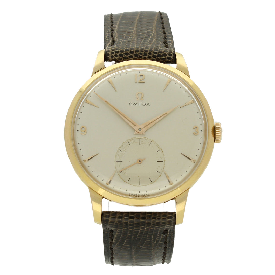 18ct yellow gold oversized dress wristwatch. Made 1957