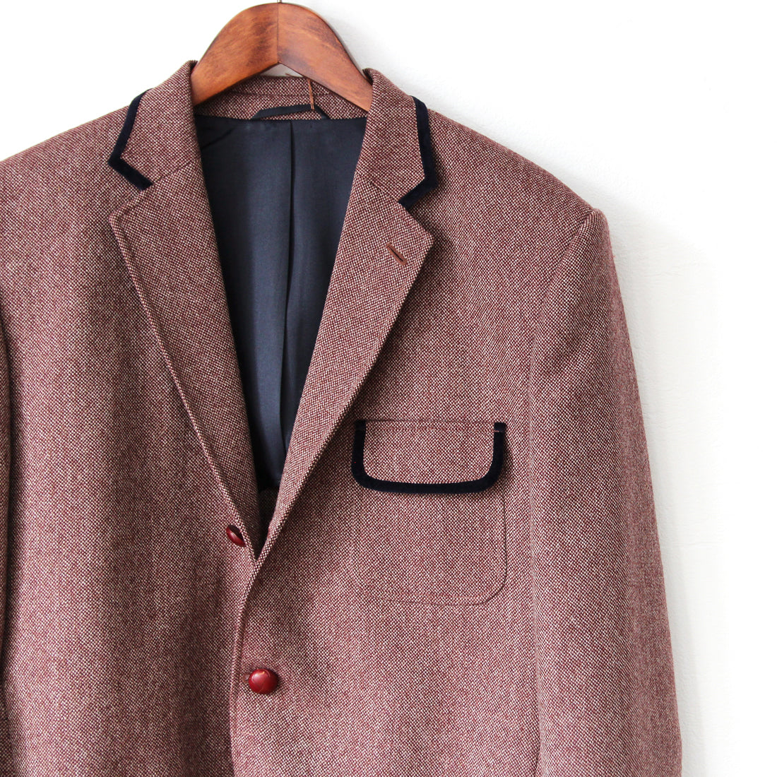 Beggars Run - NAILHEAD TWEED SACK/IVY JACKET (burgundy & grey)