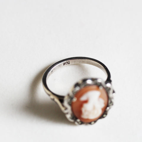 C.1950s Vintage Shell Cameo Ring (930 silver)