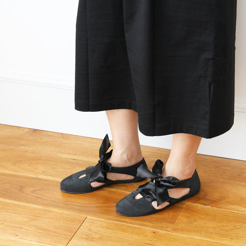 F-TROUPE - Satin Lace Bathing Shoes (BLACK)