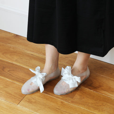 F-TROUPE - Satin Lace Bathing Shoes (GLITTER WHITE)