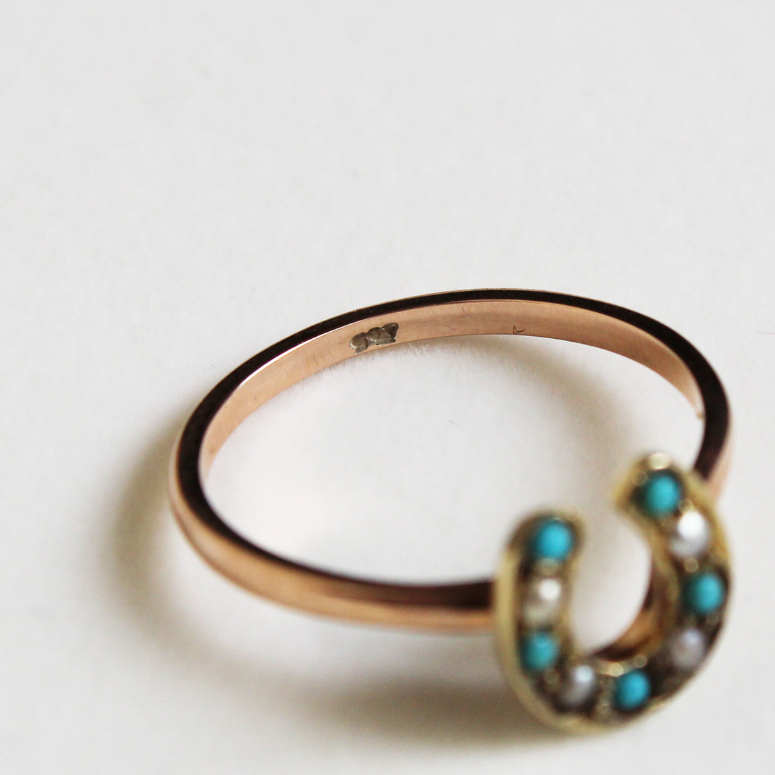 Antique Victorian Turquoise & Seed Pearl Horseshoe Ring (K9)