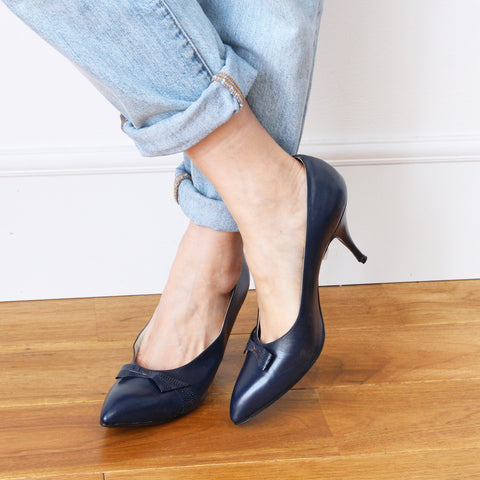 Vintage Leather Bow Pumps (NAVY)
