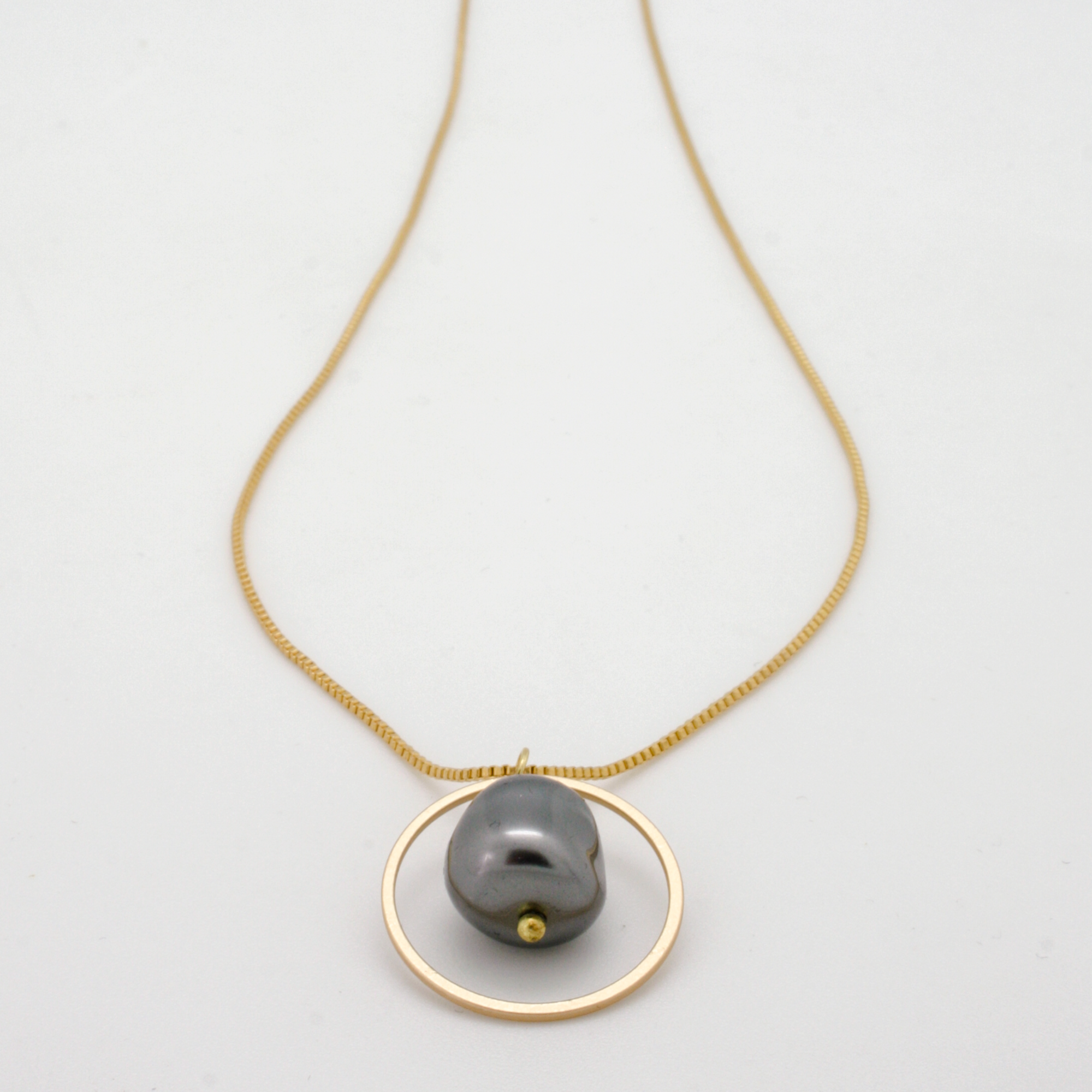 circle nugget pendant