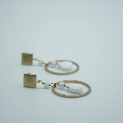 square circle earrings white