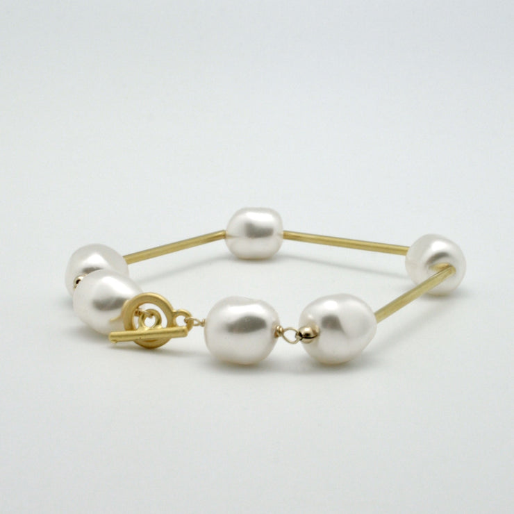 baroque pearl nugget bracelet with matte gold tubes