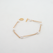 pearl bar bracelet white