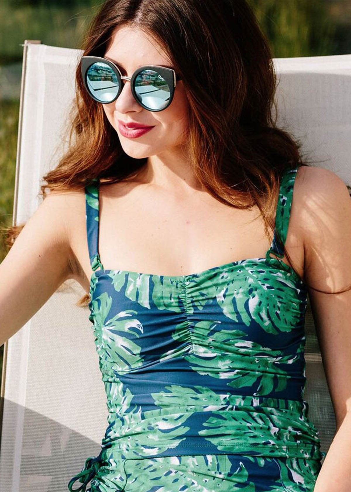 elizabeth in banana leaf top